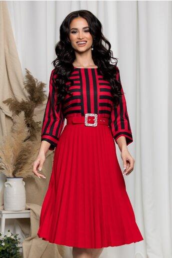Rochie Alina rosie cu fusta plisata si dungi negre la bust