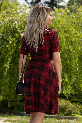 Rochie Alina rosie cu imprimeu in carouri negre