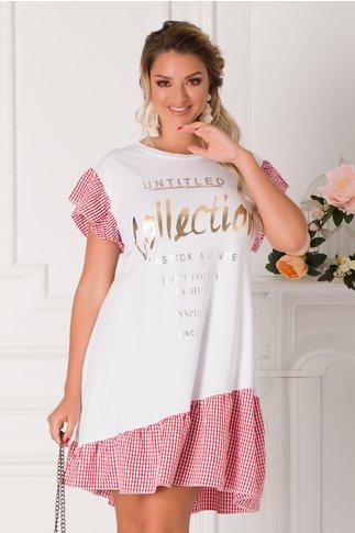 Rochie Alissa tip tricou alba cu patratele rosii si imprimeu text