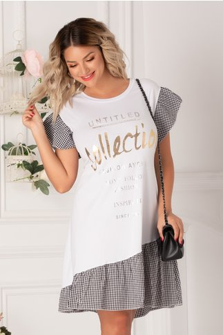 Rochie Alissa tip tricou alba cu patratele si imprimeu text