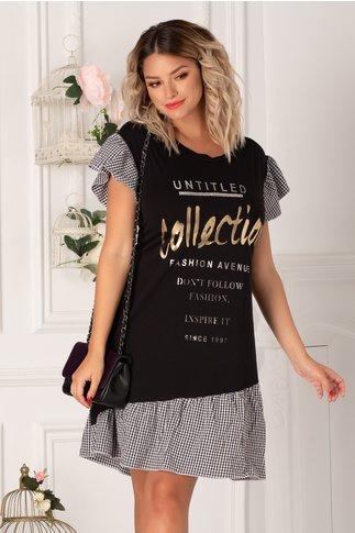 Rochie Alissa tip tricou neagra cu patratele si imprimeu text