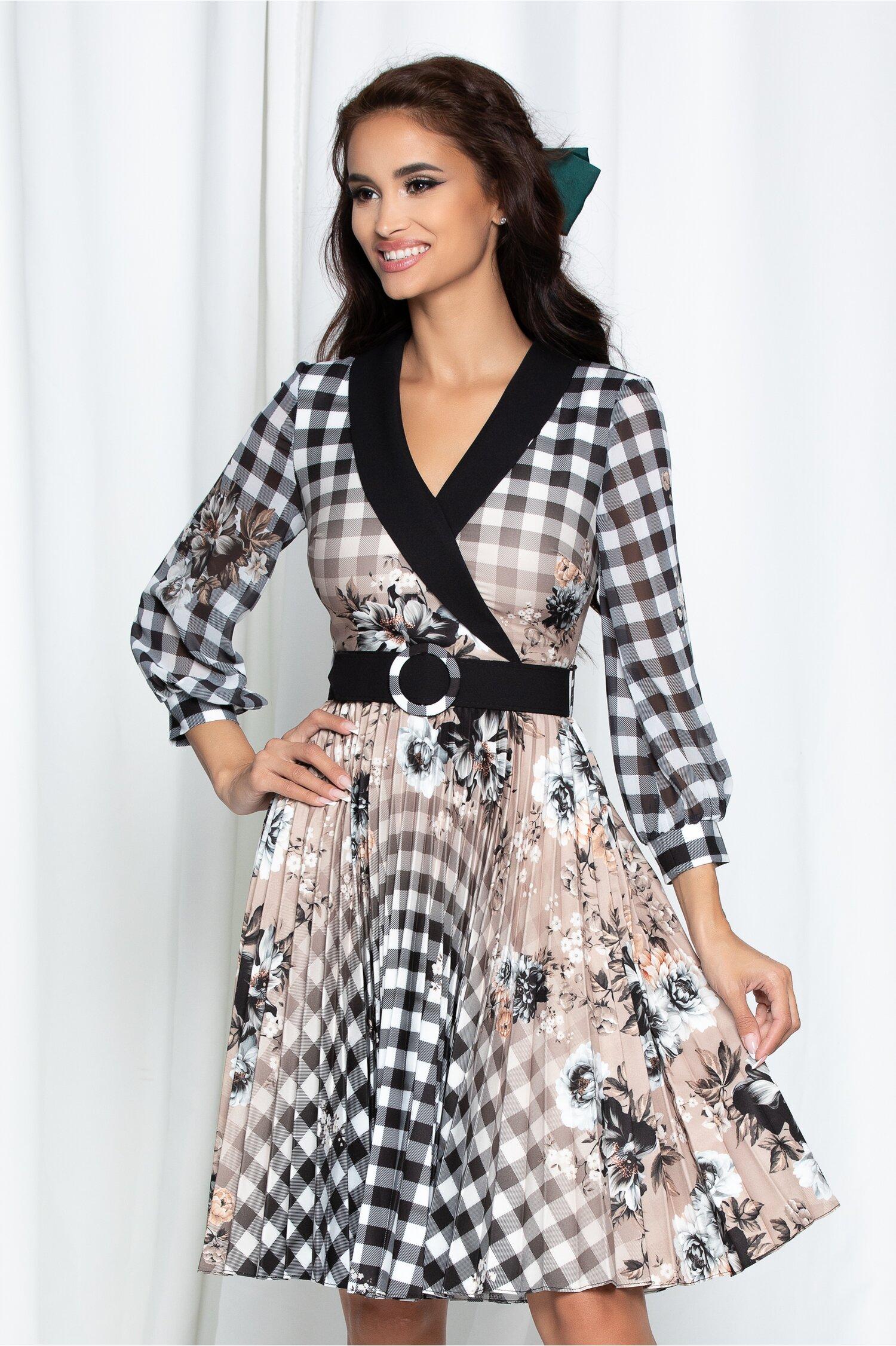 Rochie Amalia bej cu carouri si curea in ton cu rochia