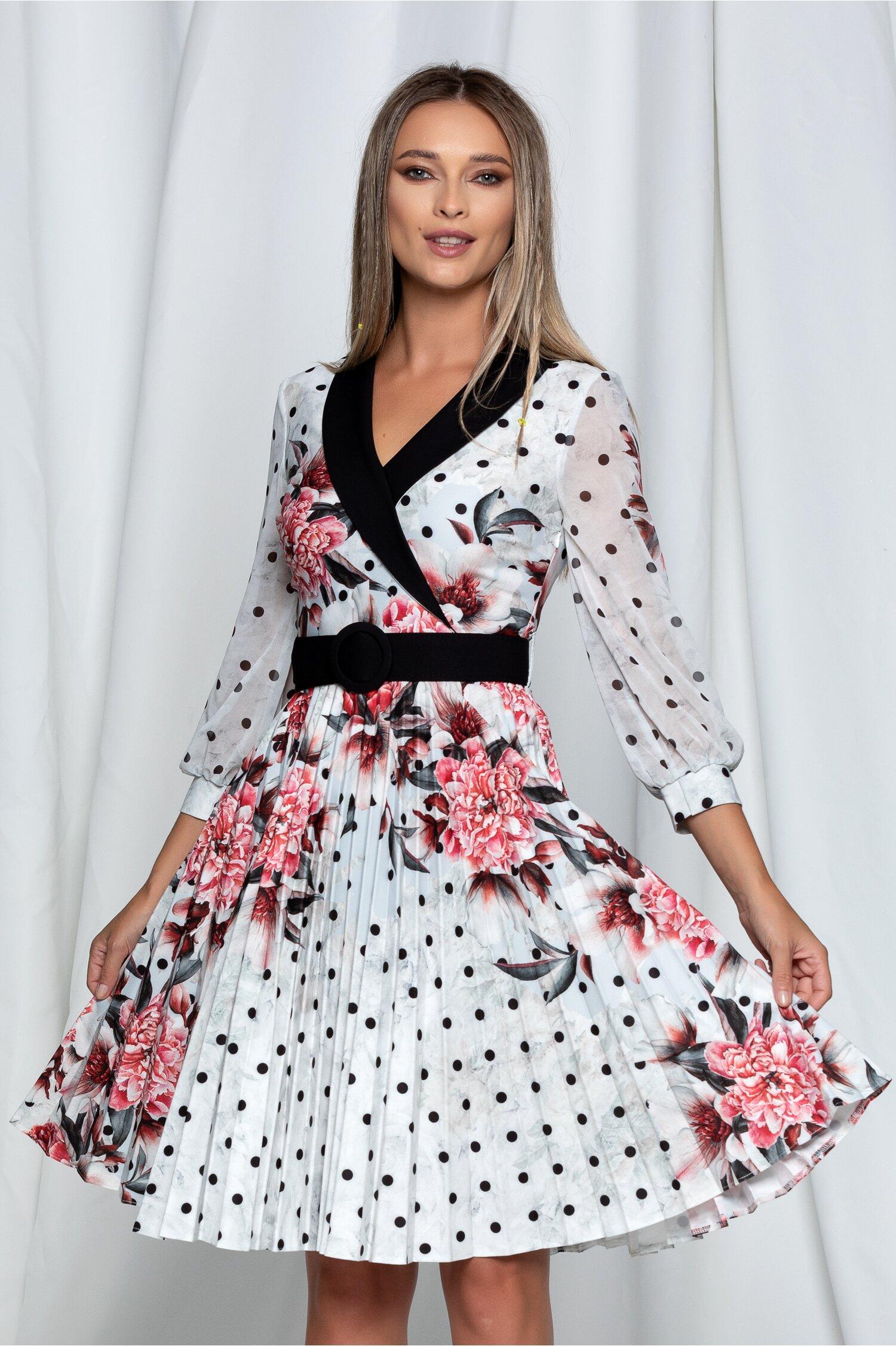 Rochie Amalia ivory cu imprimeu floral si curea in ton cu rochia