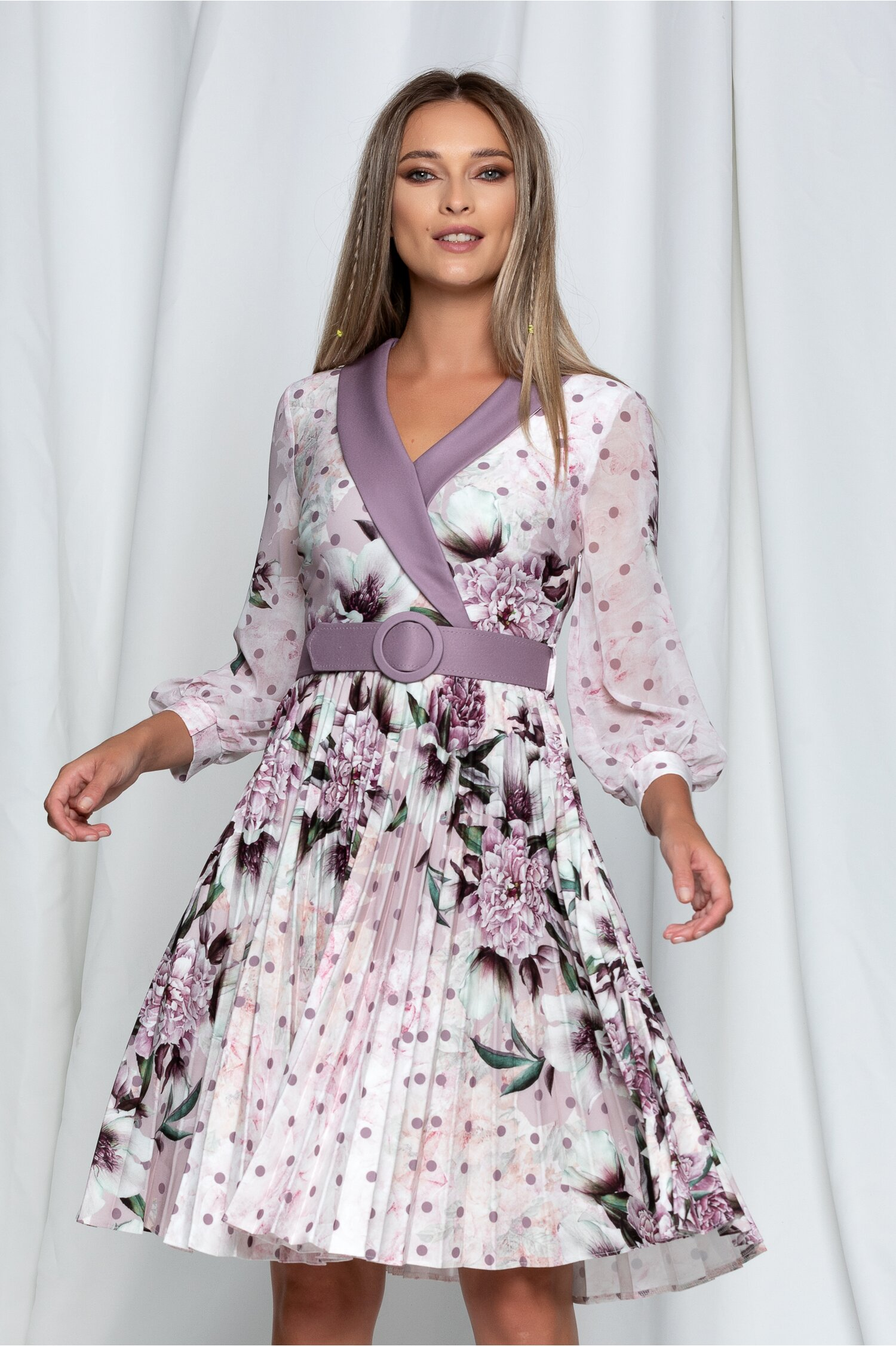 Rochie Amalia lila cu imprimeu floral si curea in ton cu rochia