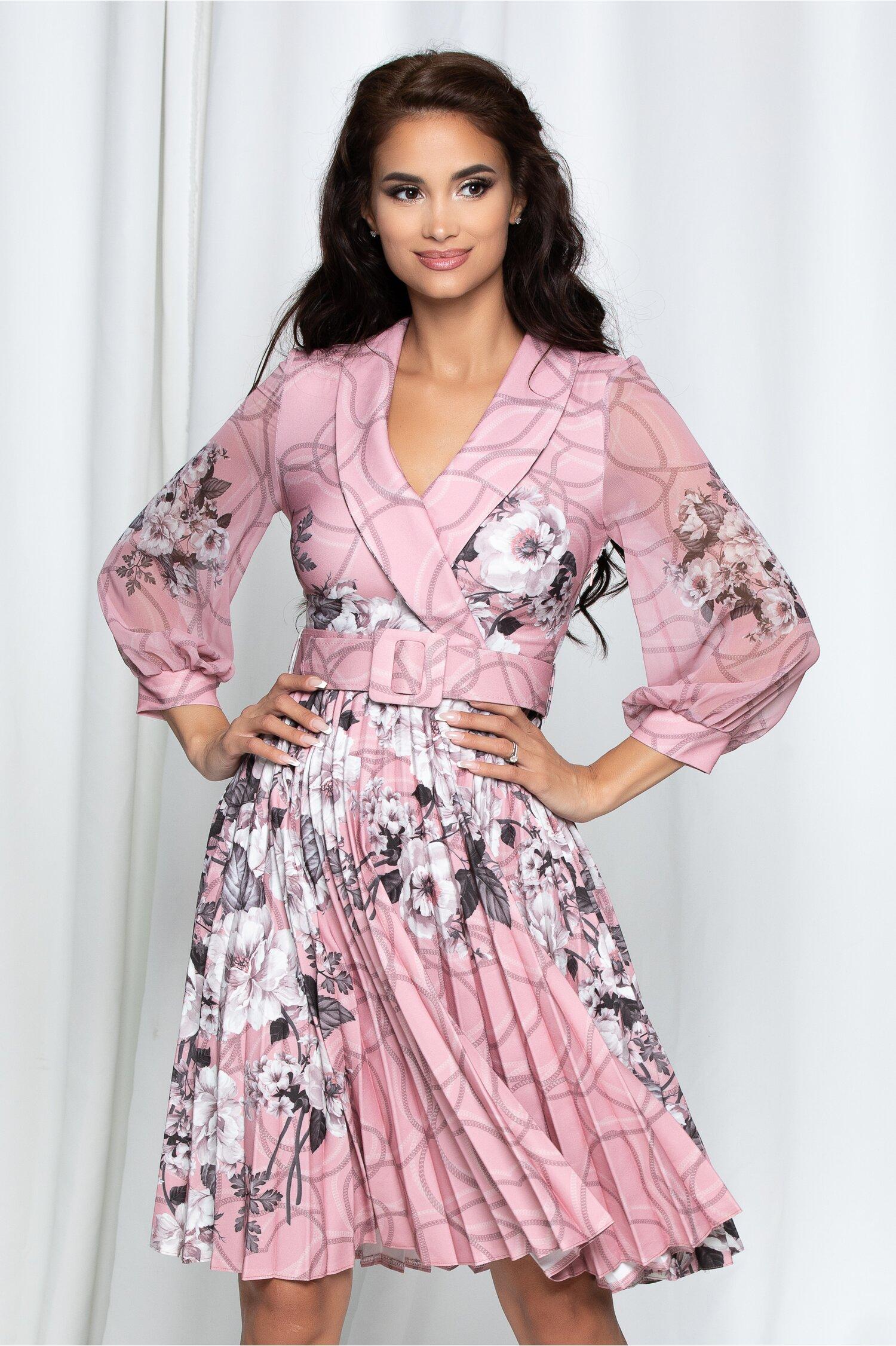 Rochie Amalia roz cu imprimeu floral si curea in ton cu rochia