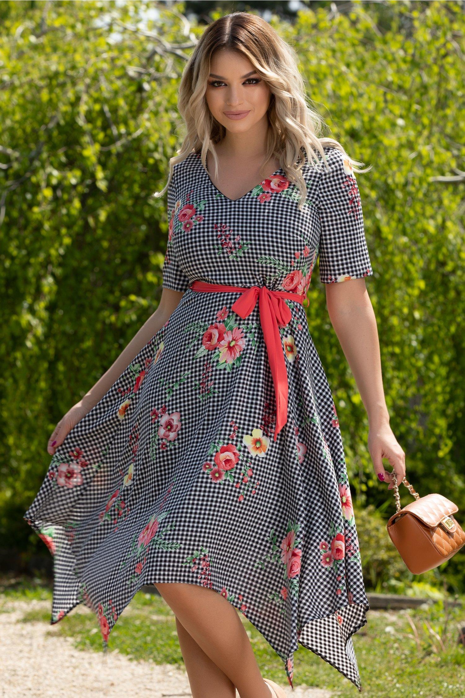 Rochie Amira cu imprimeu floral si carouri