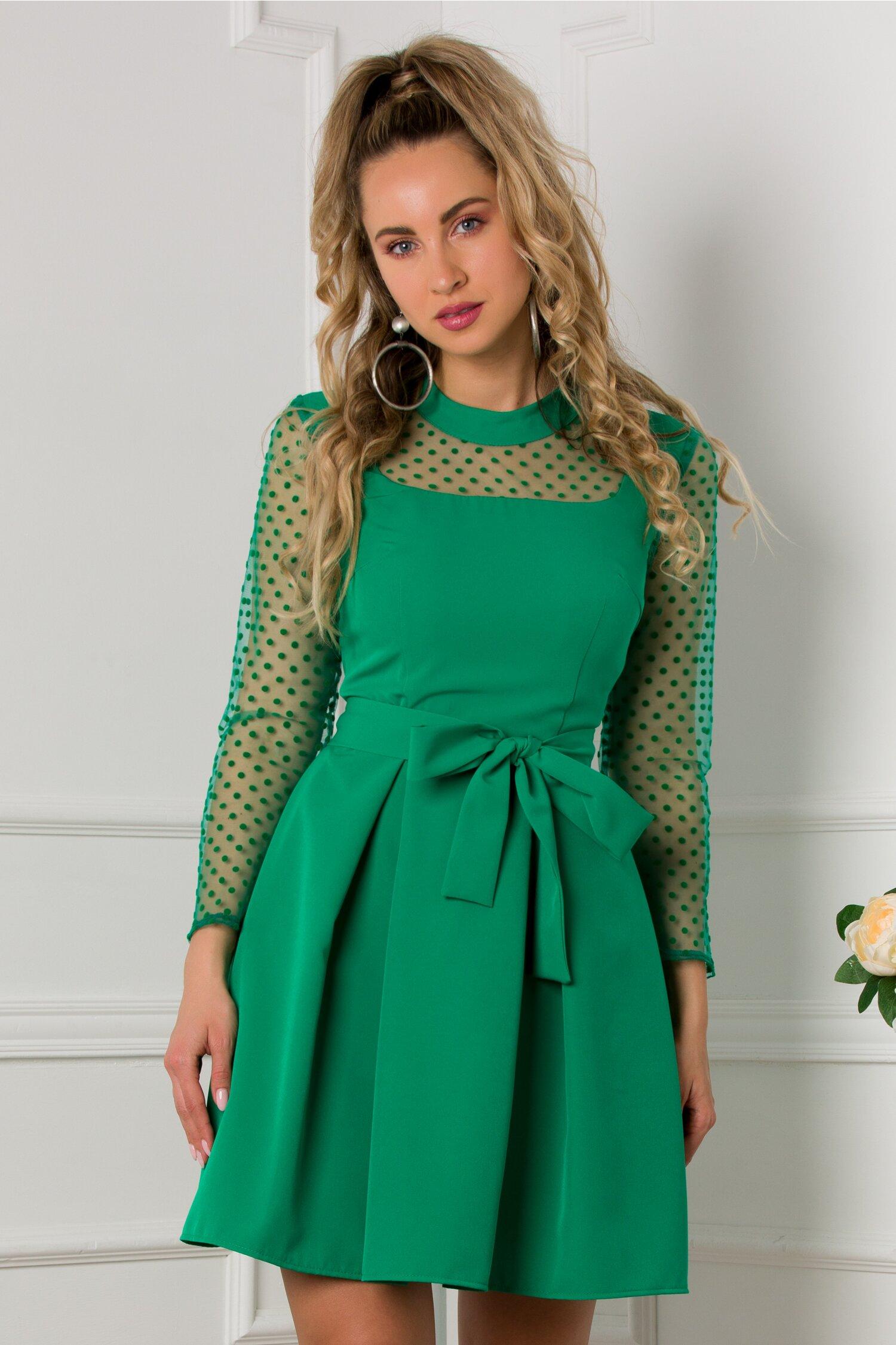 Rochie Amira verde cu insertii din tull si buline catifelate