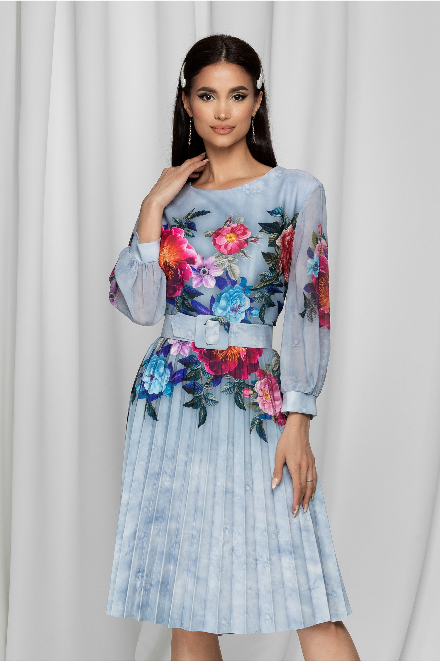 Rochie Ana bleu cu fusta plisata si imprimeuri florale