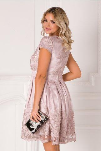 Rochie Anabel roz prafuit cu broderie la bust si la baza
