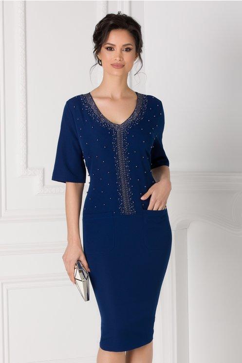 Rochie Anastasia bleumarin accesorizata cu strasuri si margelute