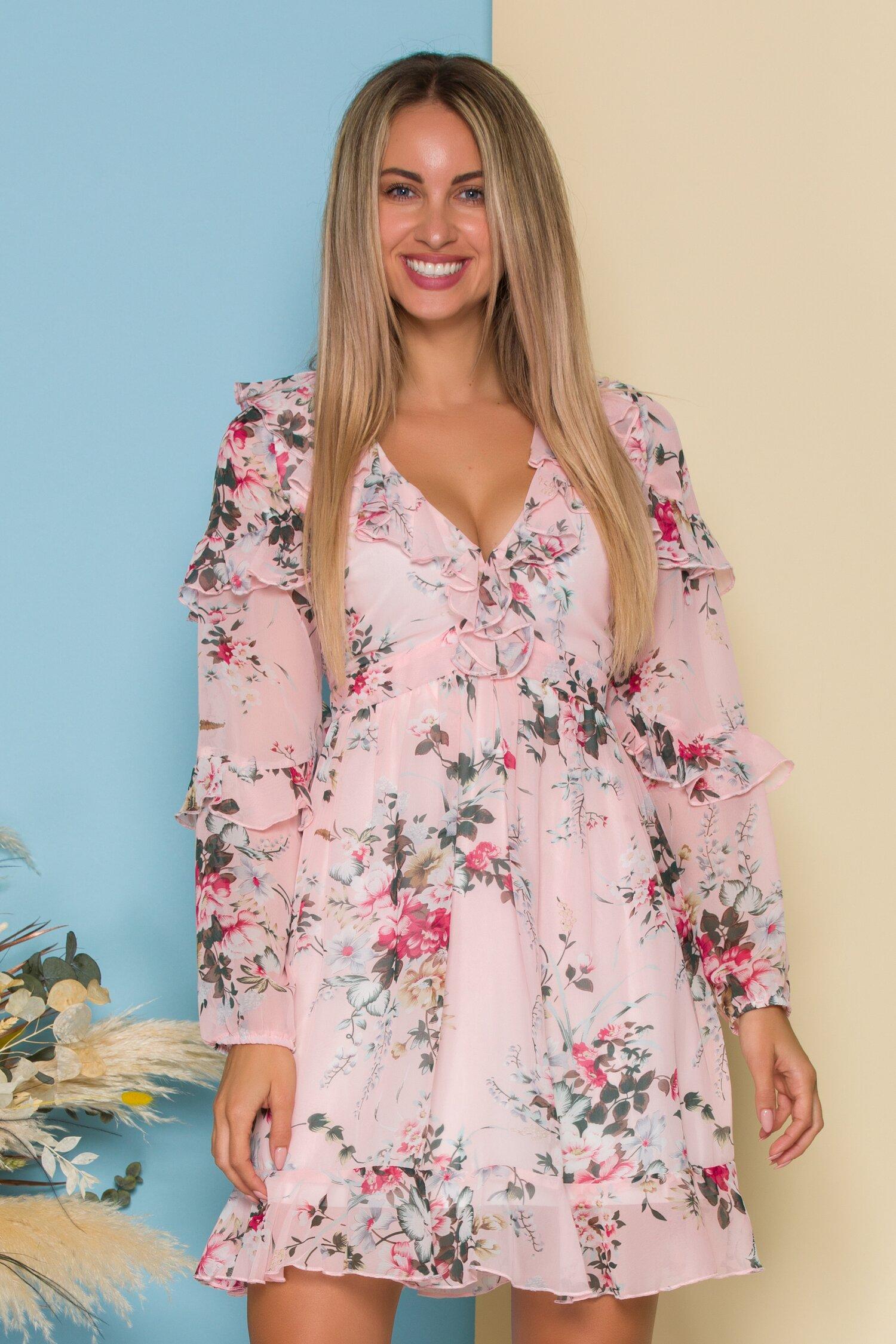 Rochie Andrada roz cu imprimeuri florale si volanase la decolteu si maneci imagine dyfashion.ro 2021