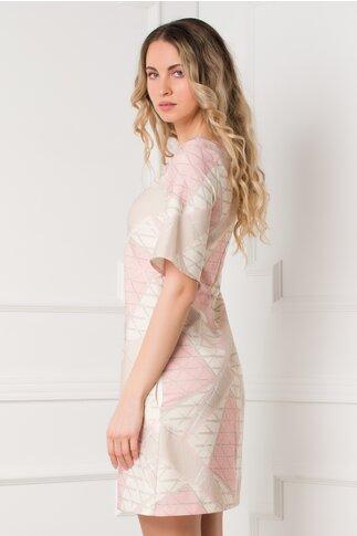 Rochie Andreea bej cu roz si imprimeuri geometrice