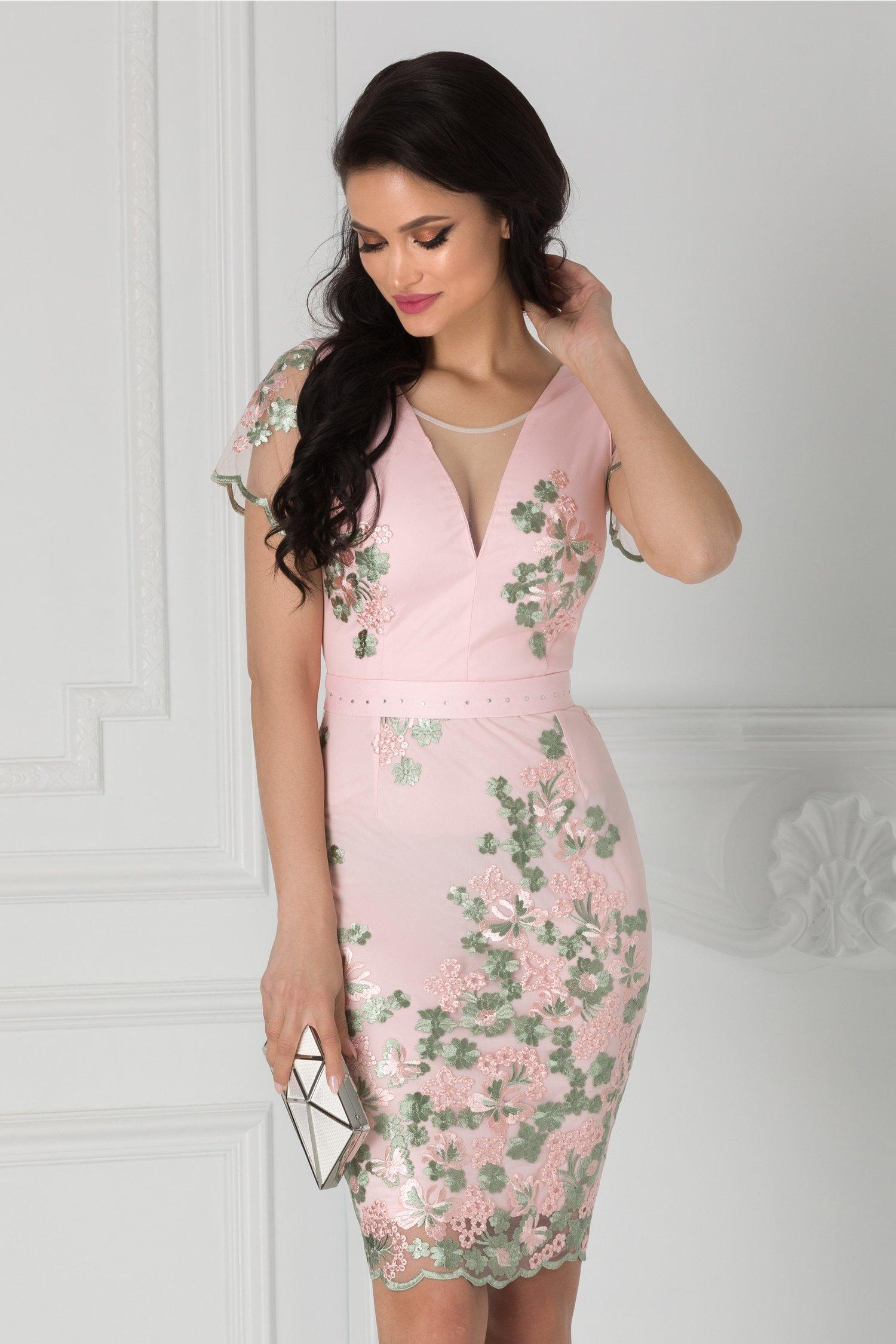 Rochie Anelie roz cu broderie florala si cordon in talie