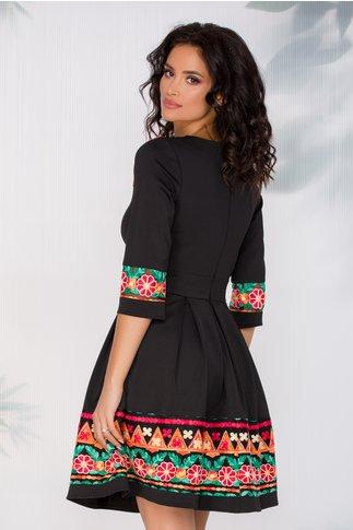 Rochie Angy neagra cu broderie viu colorata cu motive traditionale