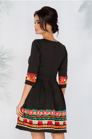 Rochie Angy neagra cu motive traditionale multicolore