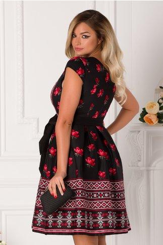 Rochie Annes neagra cu imprimeuri traditionale si flori rosii