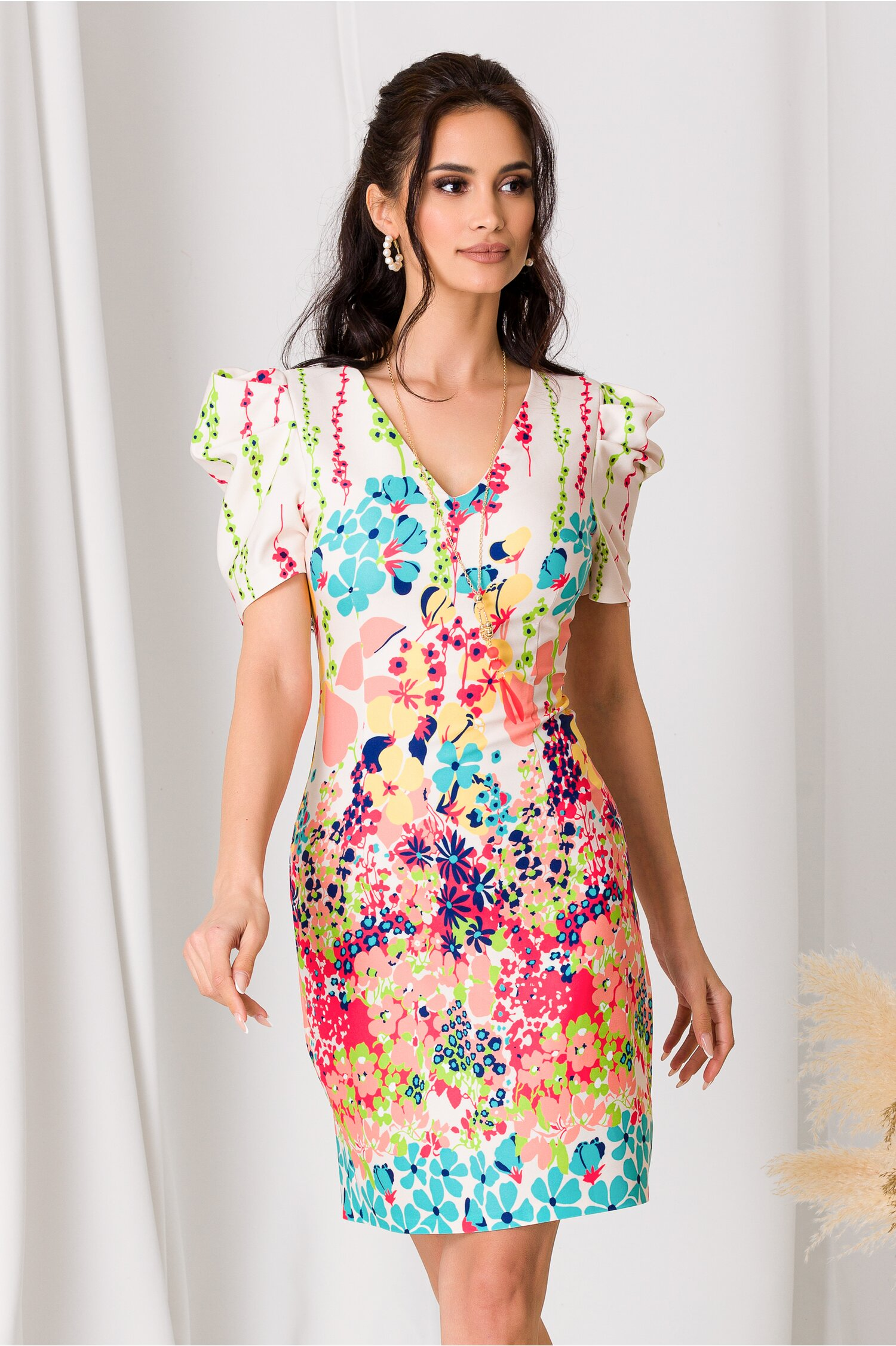 Rochie Ariana ivory cu imprimeuri florale colorate