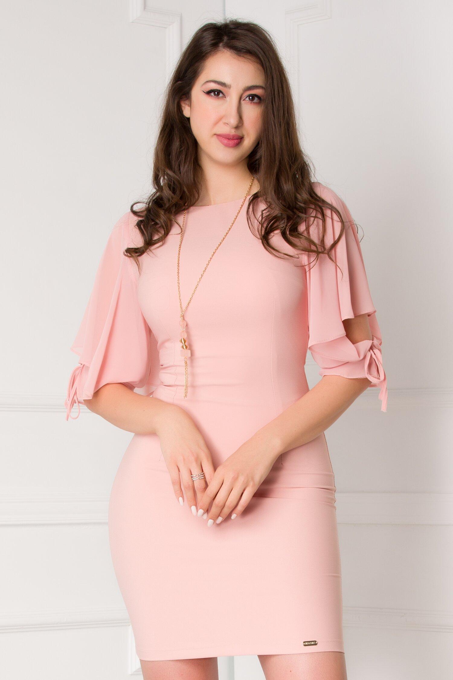 Rochie Ariana roz cu maneci vaporoase