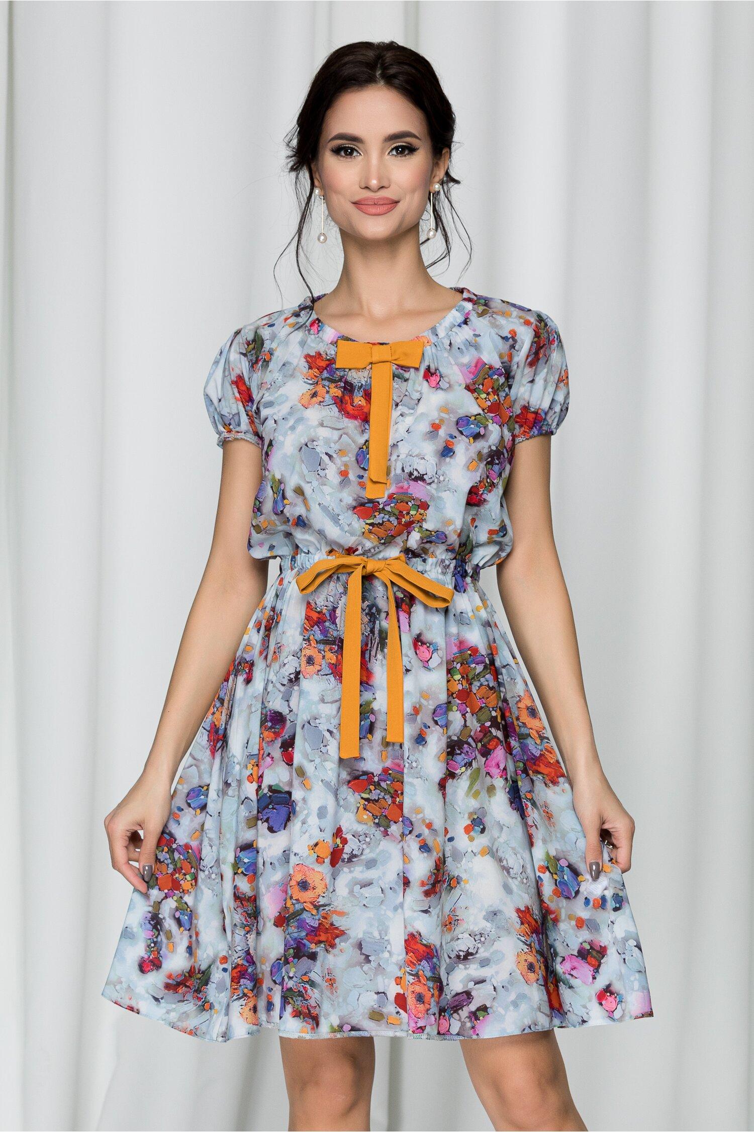 Rochie Belina bleu cu imprimeu floral si funda galben mustar