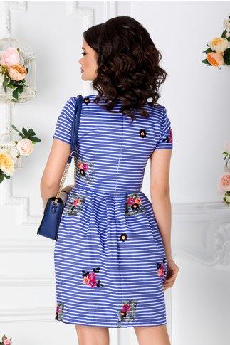 Rochie Bonnie albastra cu dungi albe si broderie florala