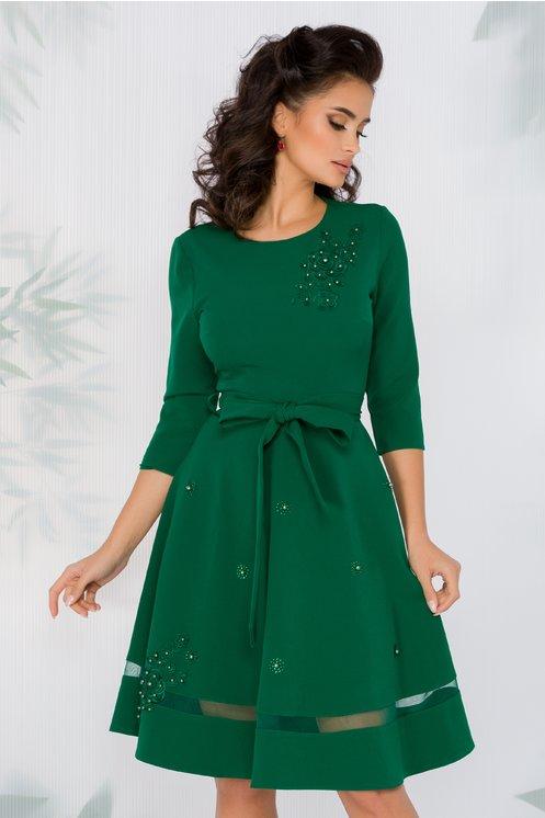 Rochie Carina verde cu aplicatii din broderie florala si perlute
