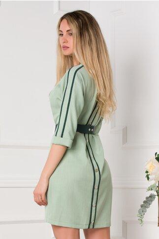 Rochie Carina verde lejera cu nasturi decorativi la spate