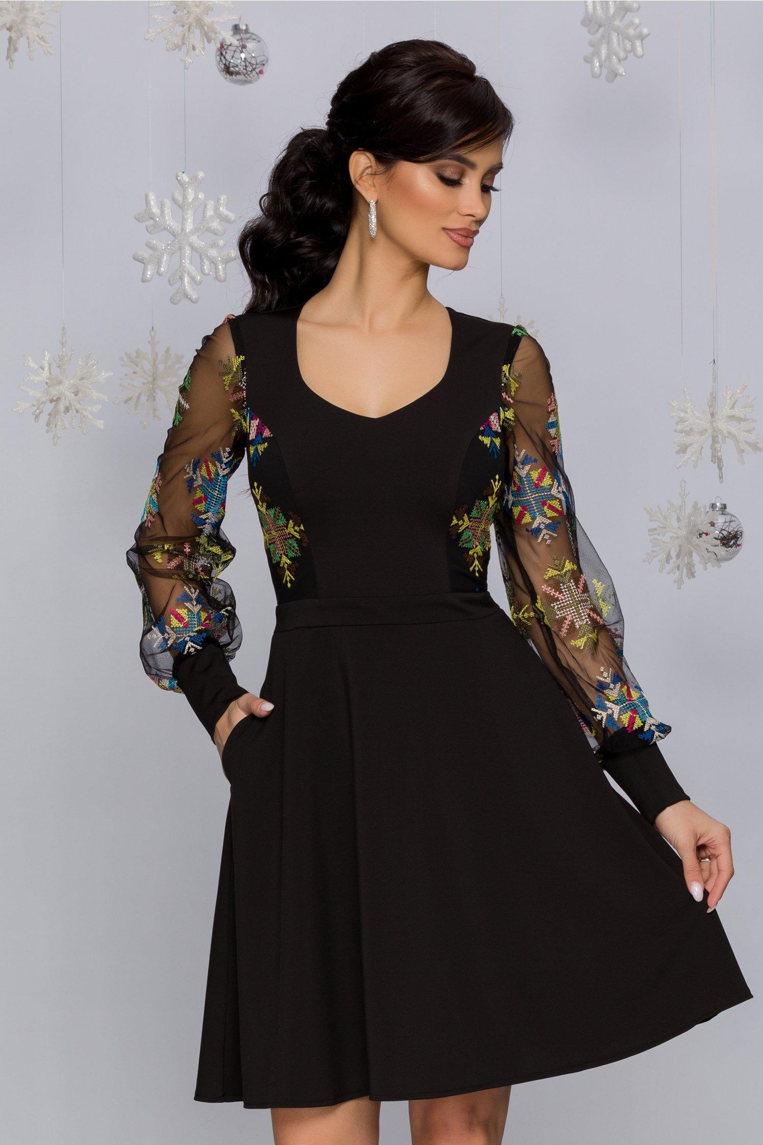 Rochie Carolina Neagra Cu Broderie In Stil Traditional