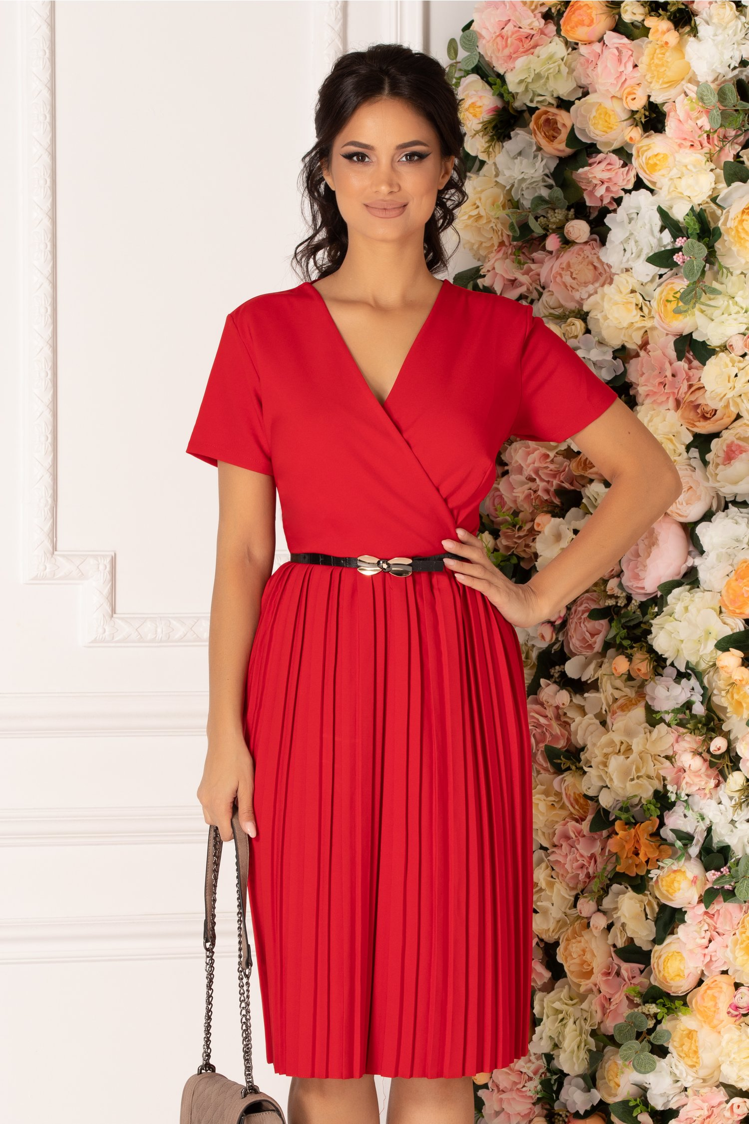 Rochie Carolina rosie cu fusta plisata