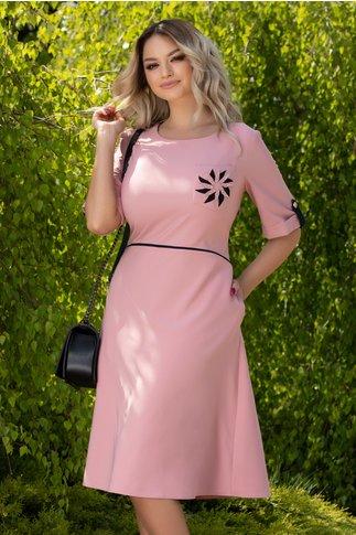 Rochie Carolina roz cu detalii bleumarin