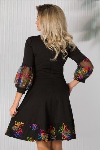 Rochie Cher neagra cu broderie multicolora