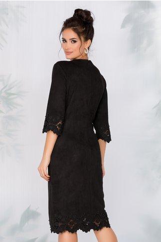 Rochie Colette neagra accesorizata cu decupaje elegante si perlute
