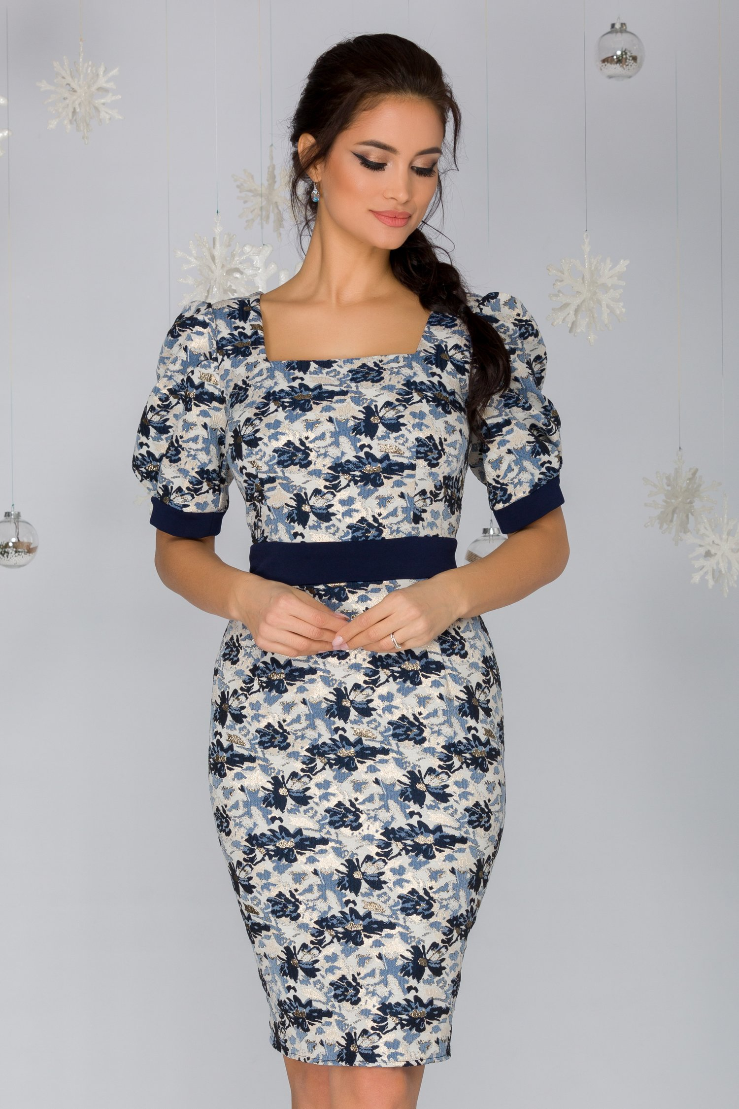 Rochie Corina cu imprimeu floral bleumarin si insertii aurii