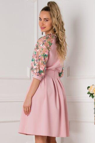 Rochie Cosmina roz cu broderie florala la maneci
