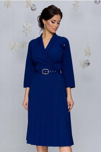 Rochie Damaris albastru inchis cu fusta plisata si curea in talie