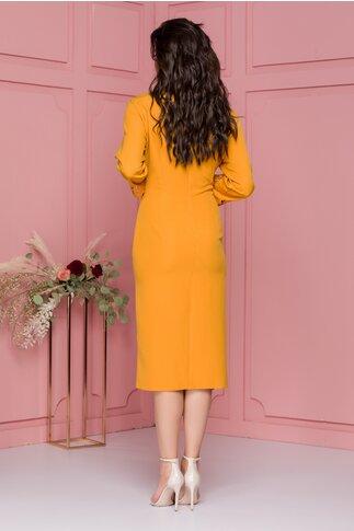 Rochie Denisa galben mustar cu decupaje florale si aspect petrecut