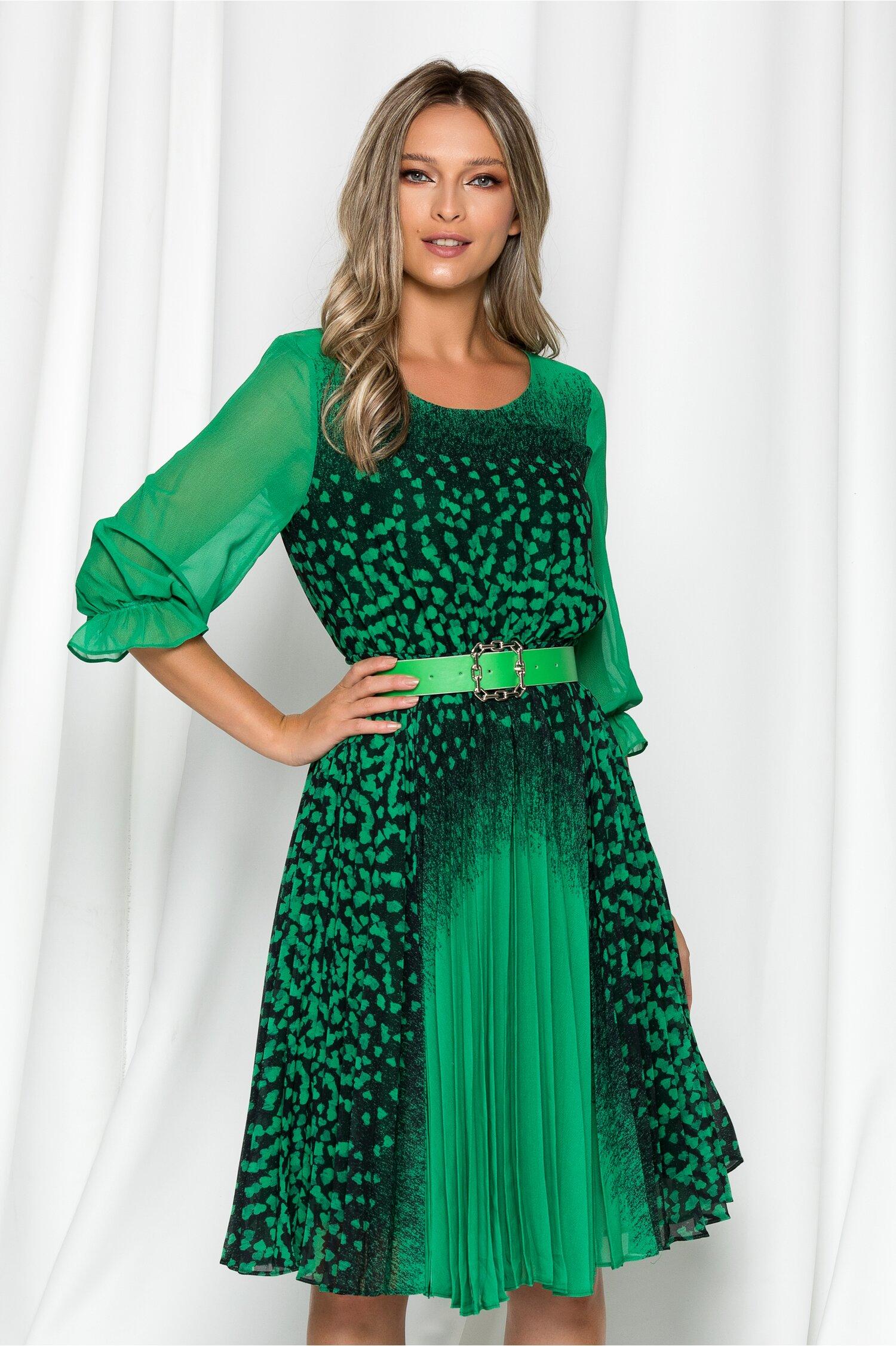 Rochie Diana verde cu imprimeu inimioare si pliuri pe fusta