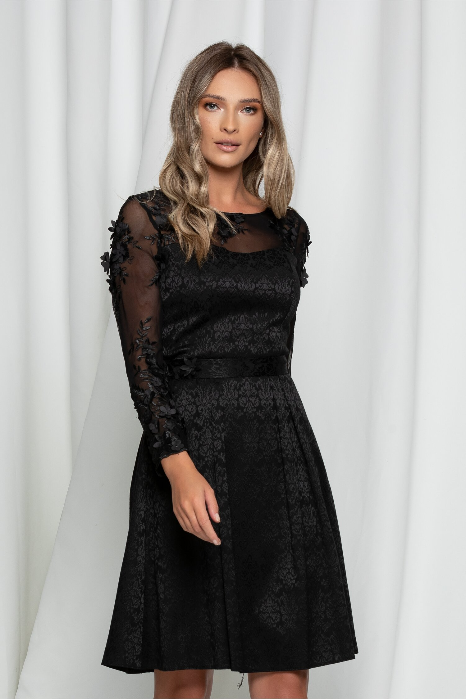 Rochie Dorina neagra cu broderie florala 3D la decolteu si maneci