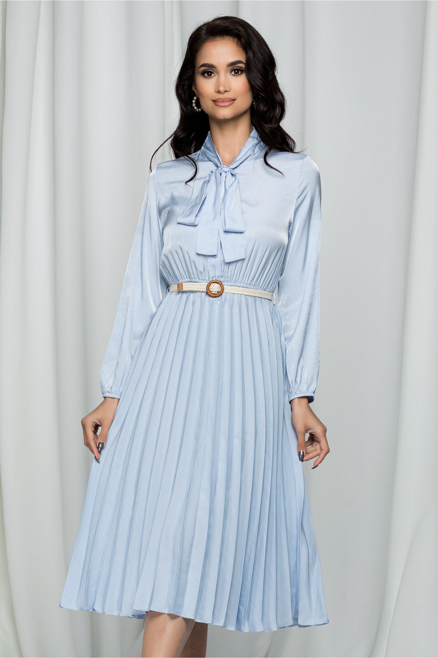 Rochie Edyta bleu cu guler tip esarfa si pliuri pe fusta