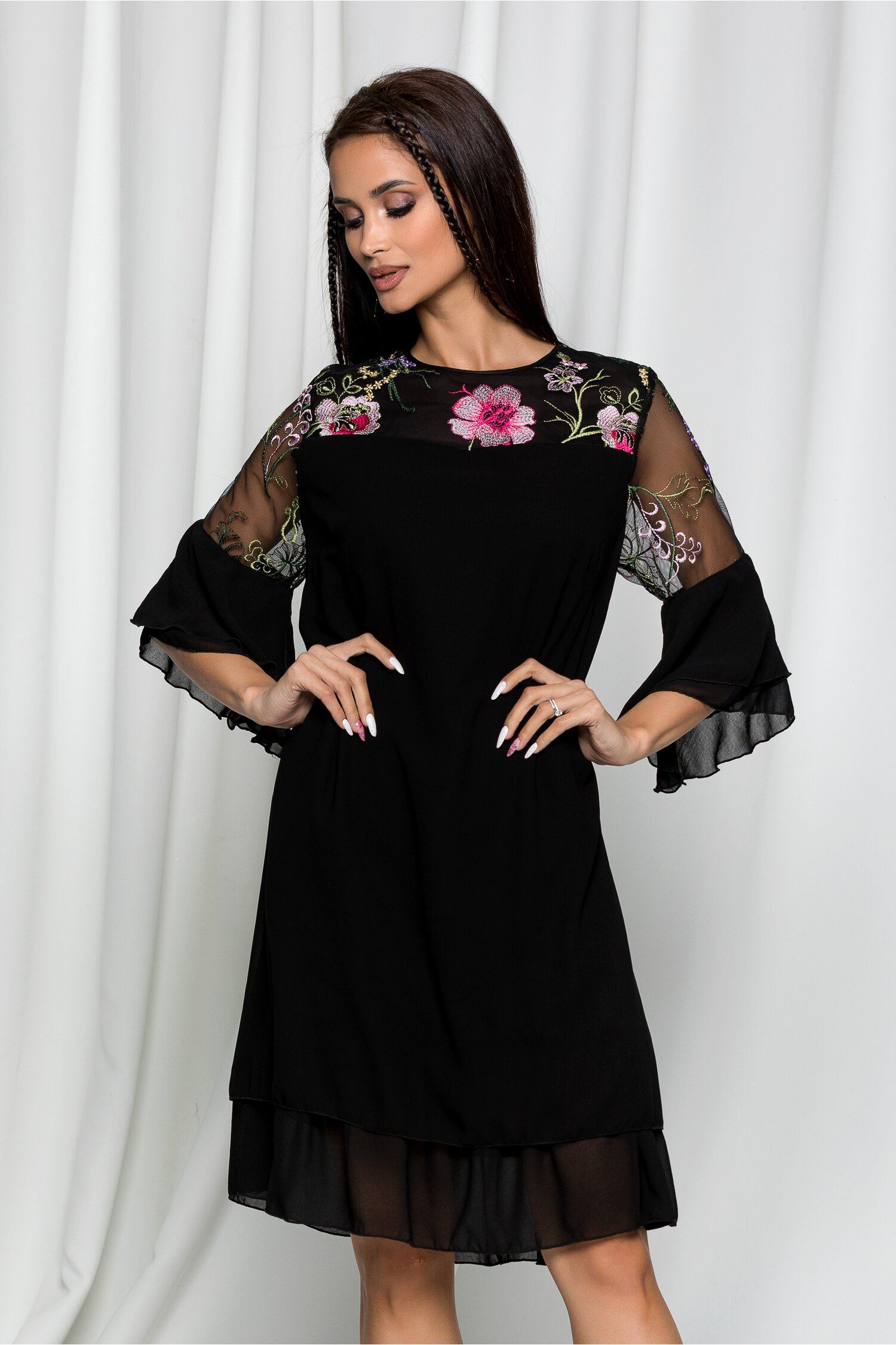 Rochie Ella Collection Doina neagra cu broderie florala si maneci tip clopot