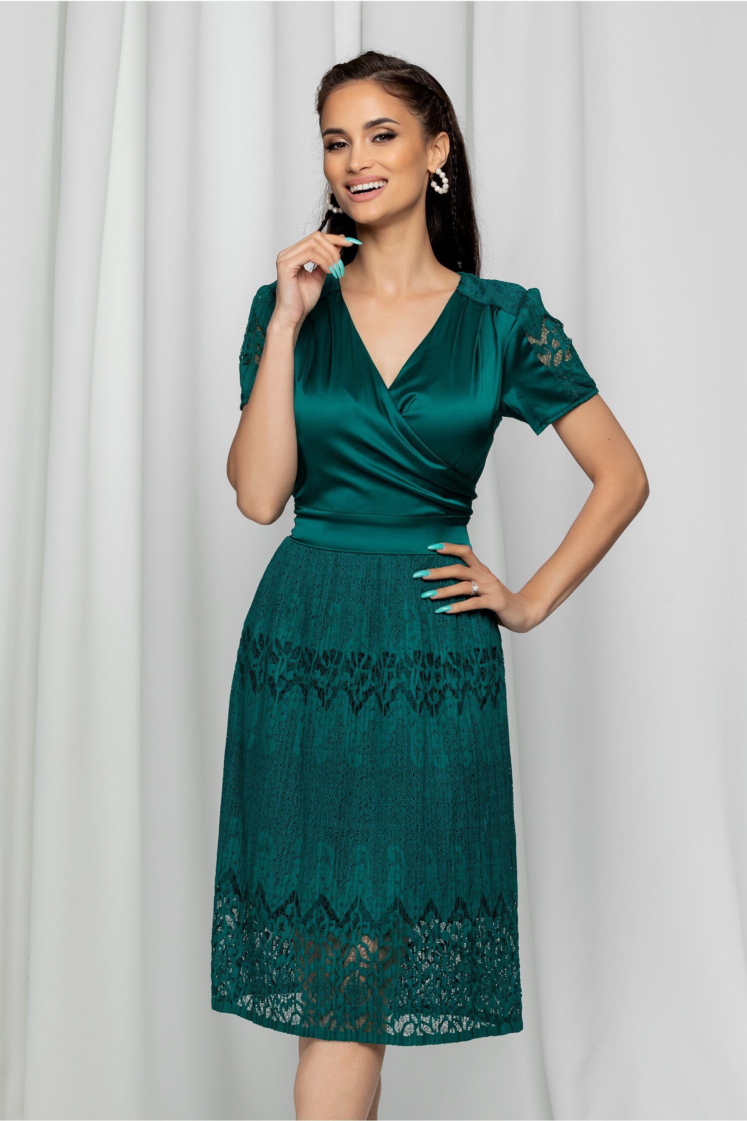 Rochie Ella Collection Fleur verde smarald cu decolteu petrecut