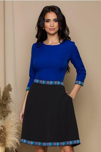 Rochie Ella Collection Lena albastra cu benzi decorate floral