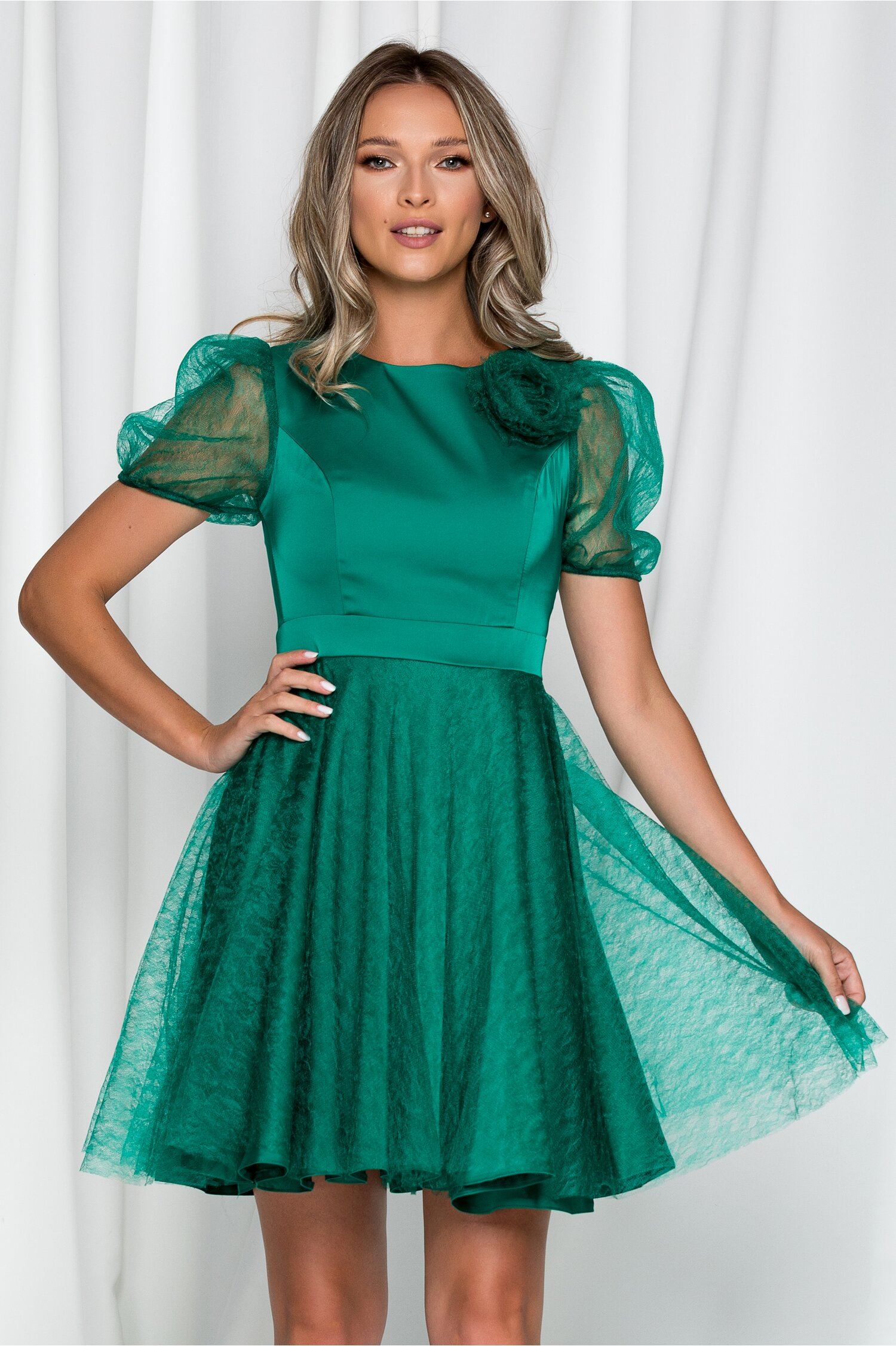 Rochie Ella Collection Lizeta verde cu maneci din tulle