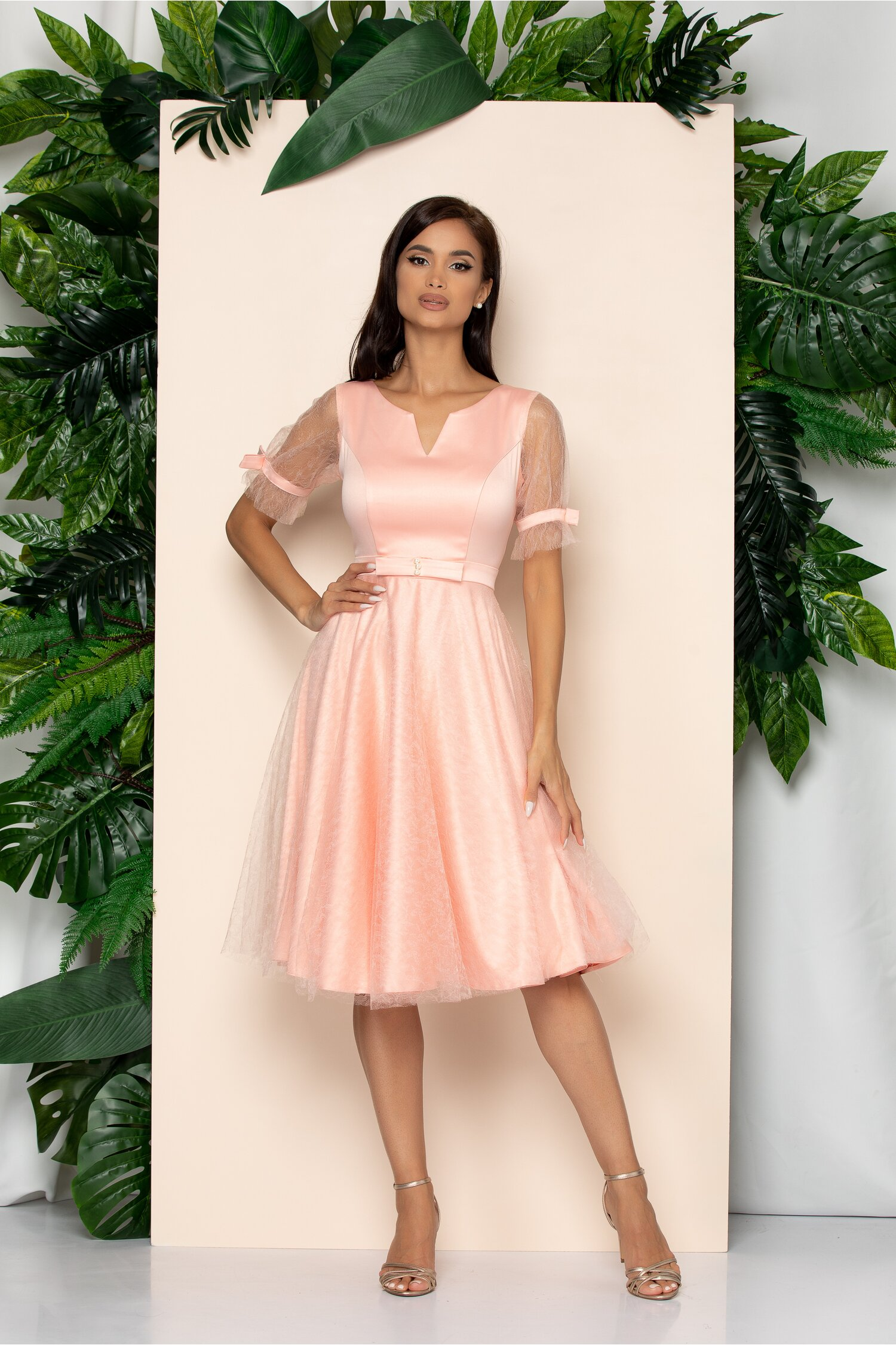 Rochie Ella Collection Mia roz accesorizata cu fundita in talie