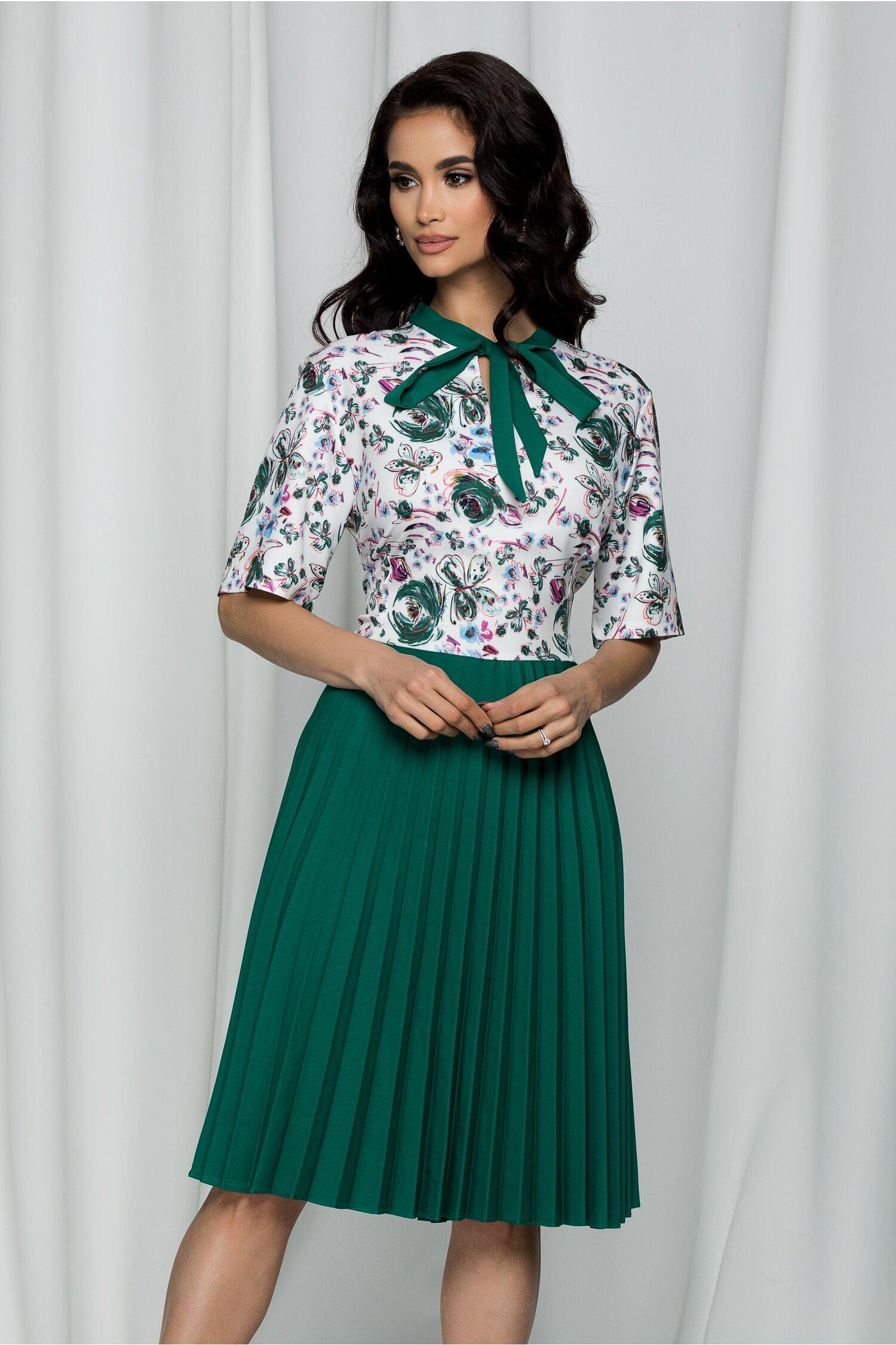 Rochie Eloise verde cu imprimeu floral si pliuri pe fusta
