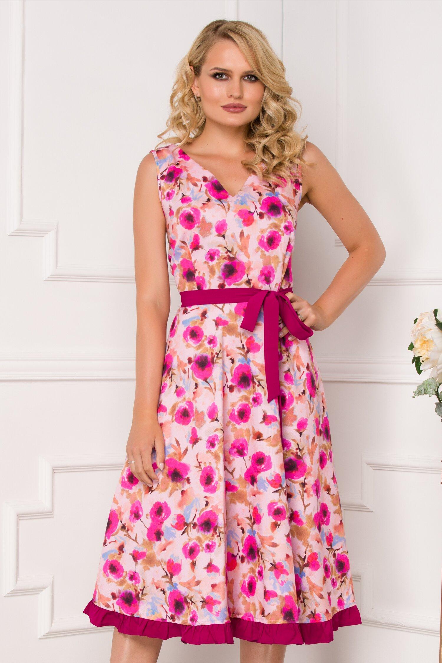 Rochie Elvira roz cu imprimeu floral in nuante de fucsia