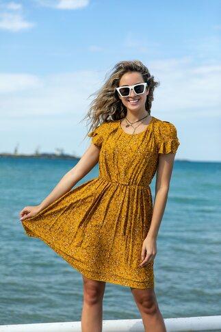 Rochie Emia clos de vara galben mustar cu imprimeu floral