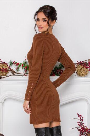 Rochie Emilly maro din tricot reiat cu nasturi decorativi