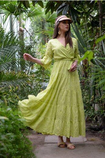 Rochie Eudoxia verde lime cu decolteu petrecut in v si perforatii brodate