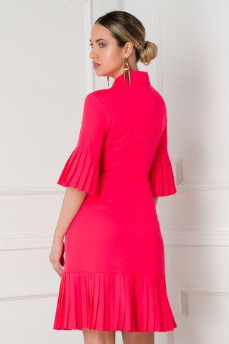 Rochie Eva rosie cu volane plisate design petrecut cu nasturi