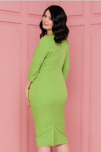 Rochie Eva verde deschis accesorizata cu perlute